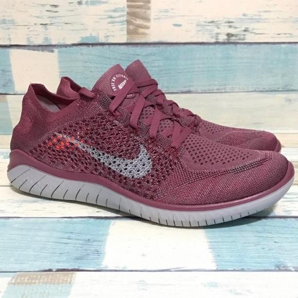 nike running shoes maroon